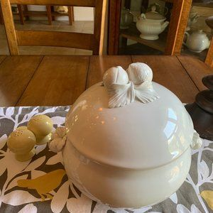Williams Sonoma Italian White Glance Soup Tureen